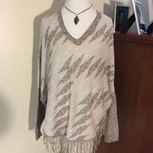 Women's Patterned V-Neck Sweater with Fringe, XL.